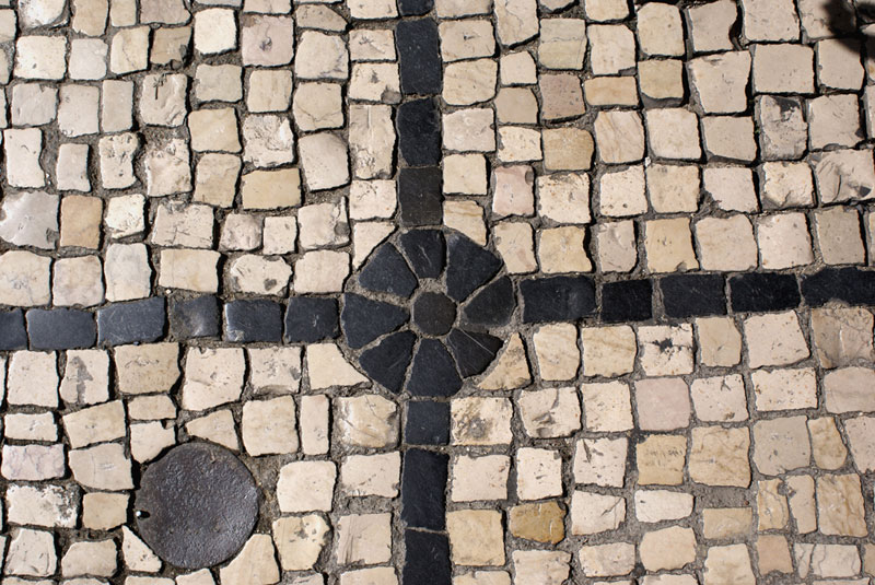 Lisbona, calcare bianco e basalto nero