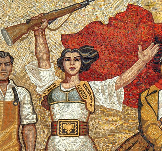 Tirana, Mosaico sulla facciata del Museo Storico Nazionale