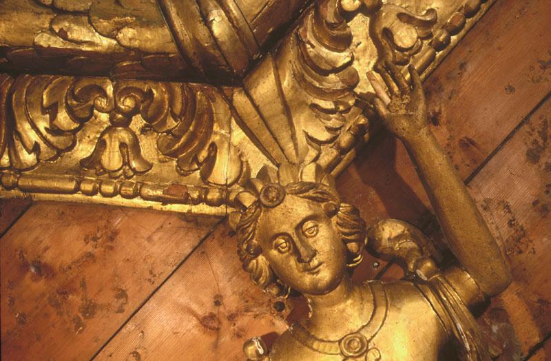 Basilica di San Nicola, cariatide del soffitto