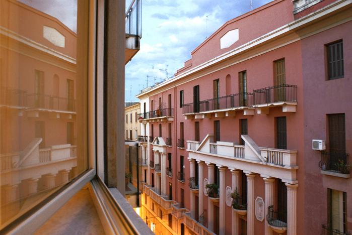Bari, finestra su Via Imbriani