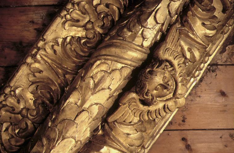 Soffitto della Basilica di San Nicola, incorniciatura lignea dorata