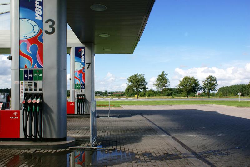 Lituania, distributore di benzina sulla strada per Vilnius