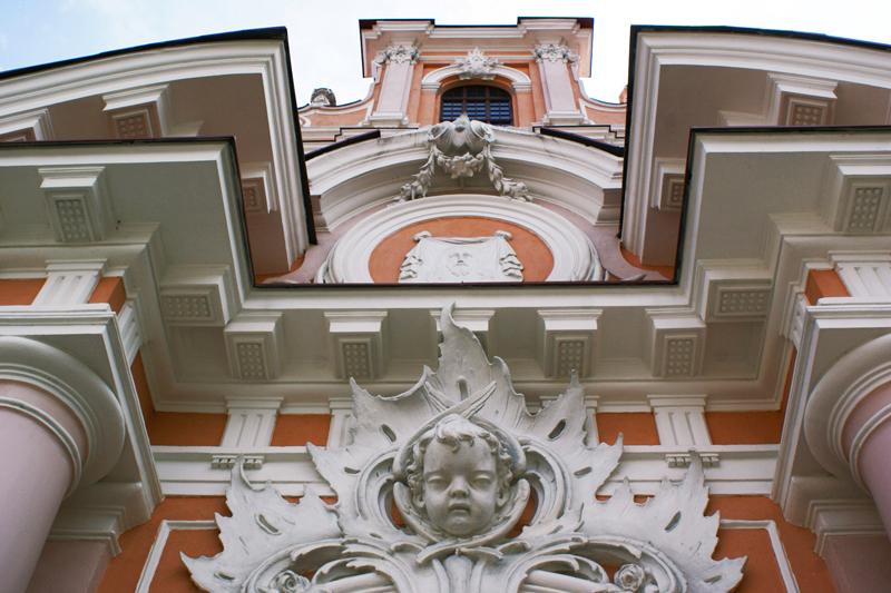 Vilnius, Lituania, particolare della chiesa di San Casimiro