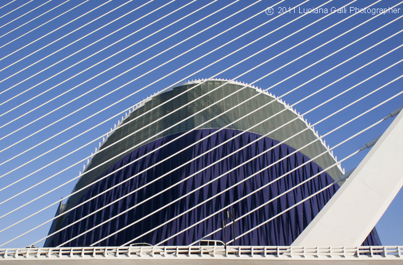 Valencia, Città delle Arti e della Scienza, Agora di Santiago Calatrava