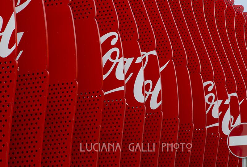 8937 Coca-Cola